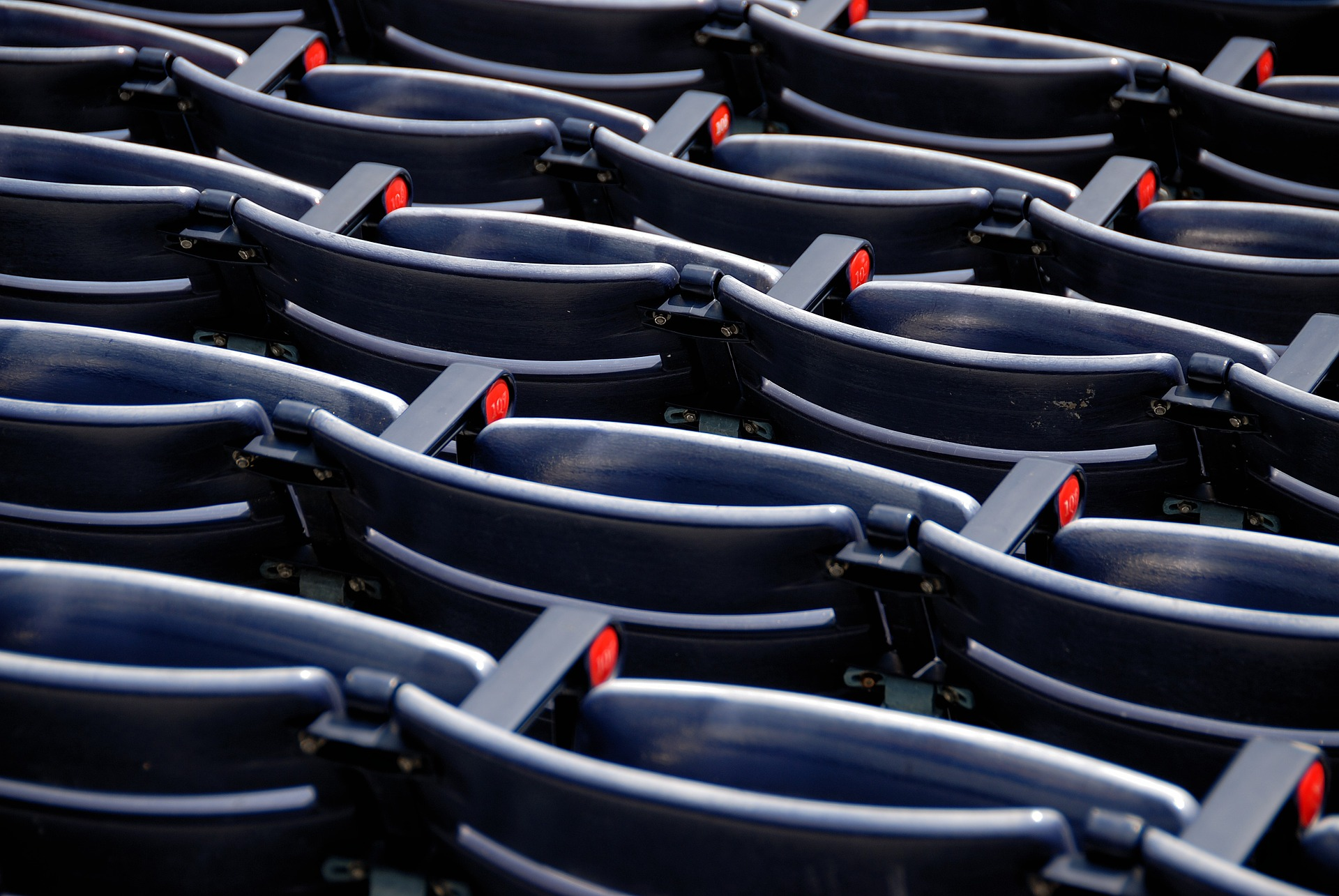 empty-stadium-seats-3038581_1920