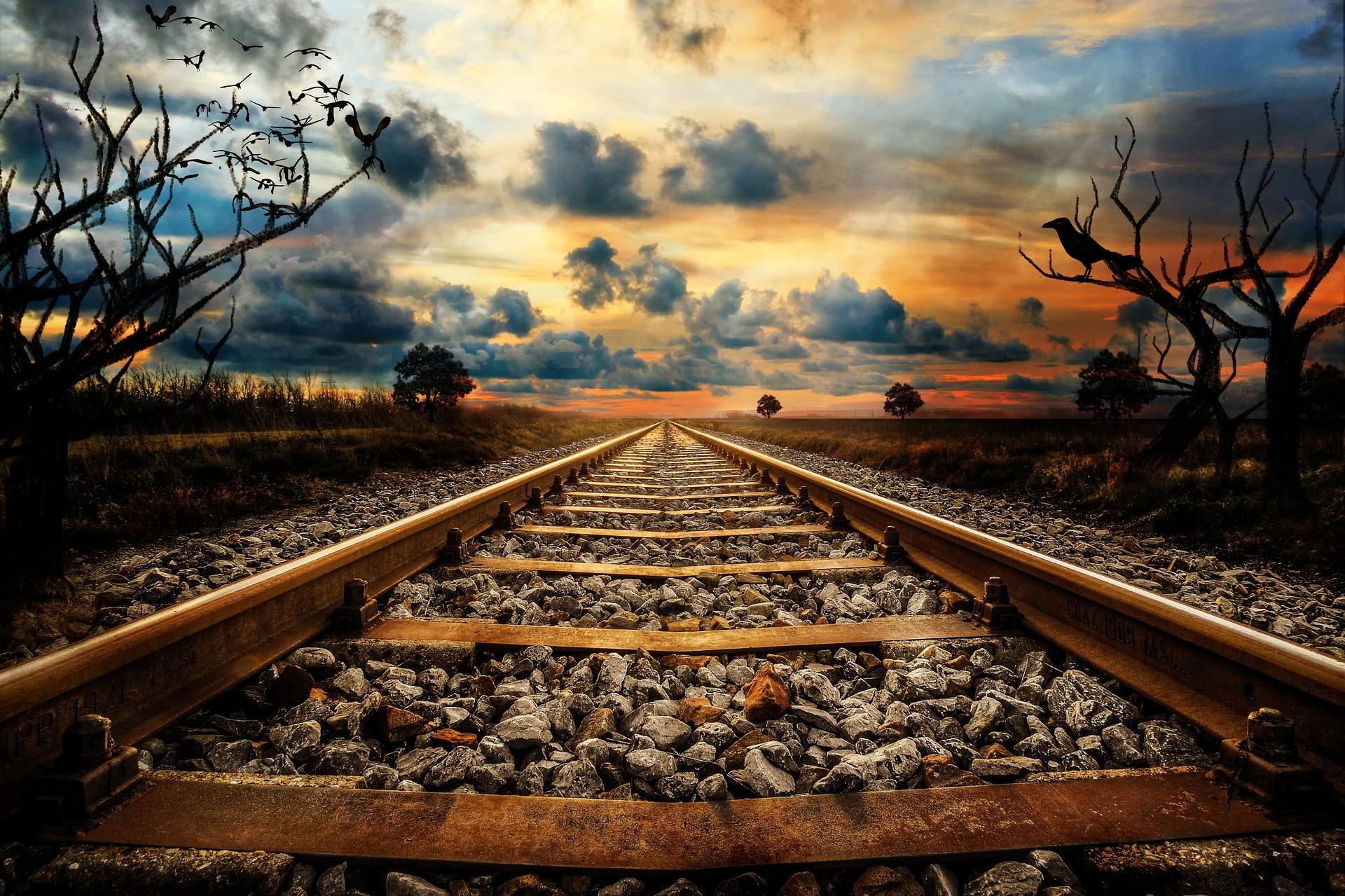railway-line-3121544_1920